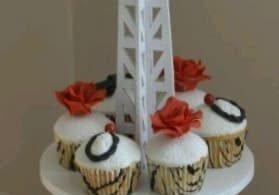 Eiffel Tower Cupcake